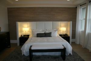 Дизайн стен спальной комнаты шпон