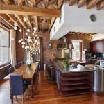 Деревянные балки на потолке в стиле лофт