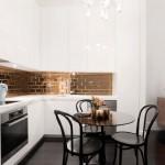 Стильный дизайн маленькой угловой кухни