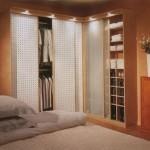 Угловые шкафы в спальне