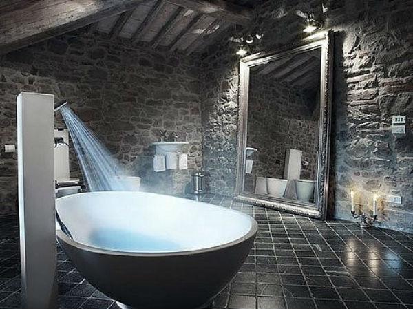 роскошная ванная с черным полом