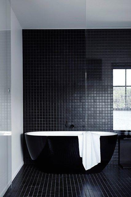 мозаичный черный пол