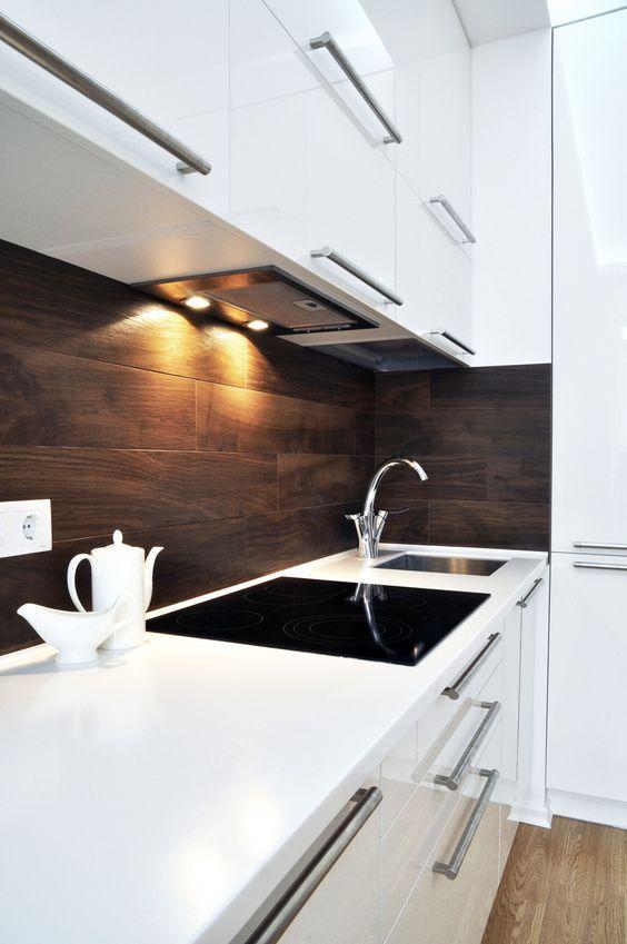 белый кухонный шкаф