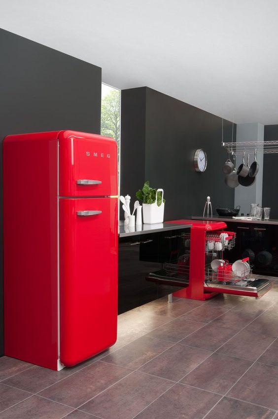 фото современной кухни в красно-черном цвете