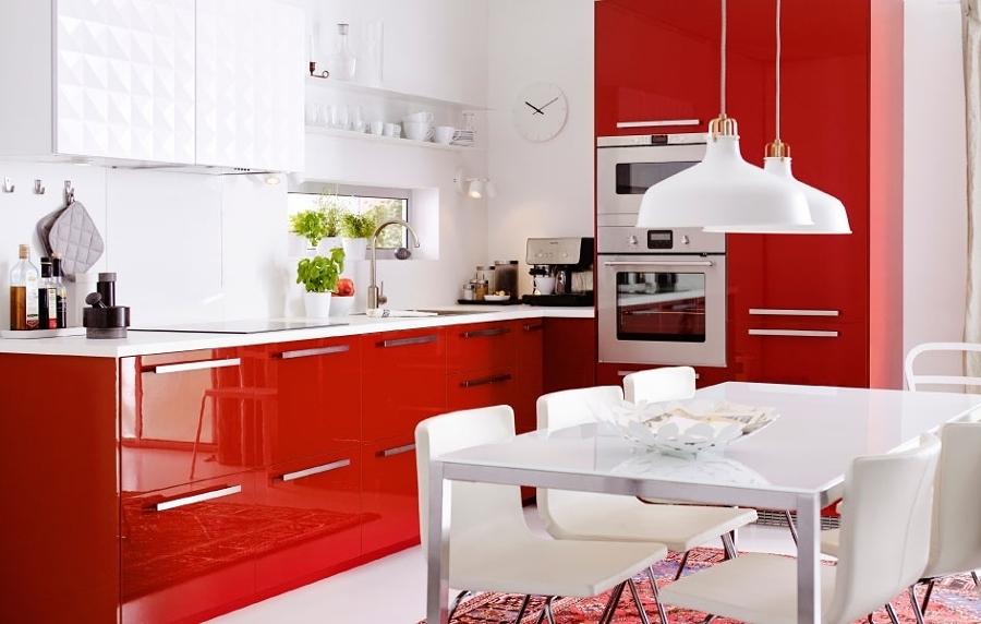 идея дизайна кухни в красно-белом цвете