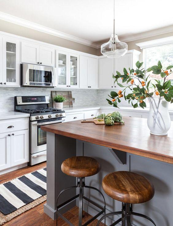 уютная кухня в загородном доме