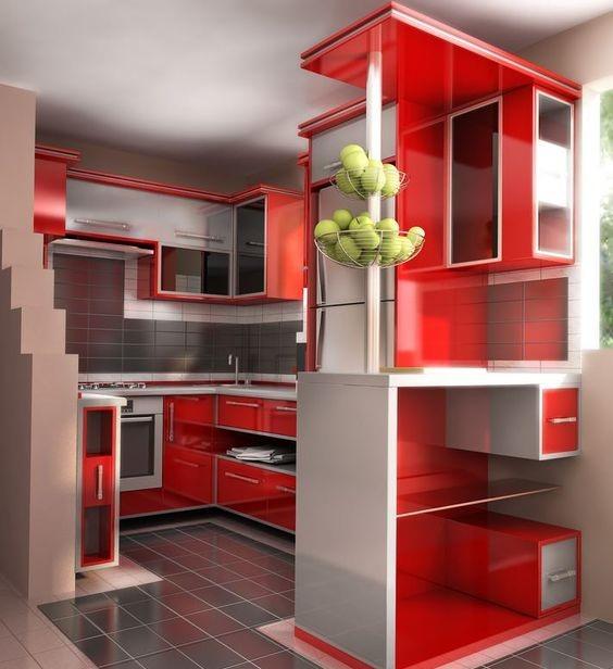 фото маленькой кухни красного цвета с функциональным дизайном