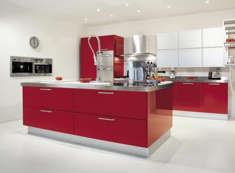 идея кухни в красно-белом цвете