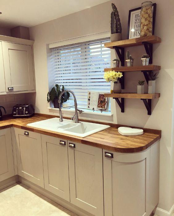 фото уютной кухни в загородном доме