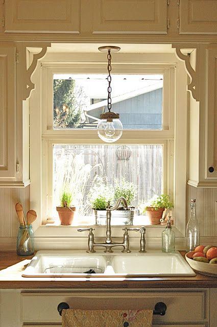 оформление освещения кухни в загородном доме