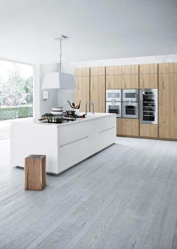 дизайн просторной кухни в стиле минимализм
