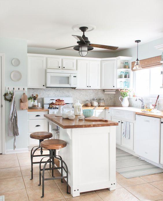 идея дизайна современной кухни в загородном доме