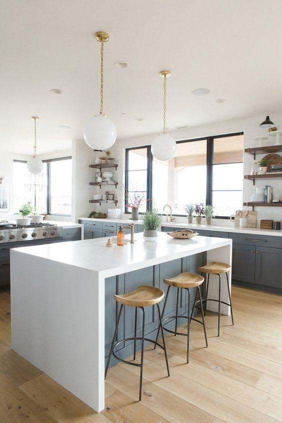 пример оформления кухни в частном доме