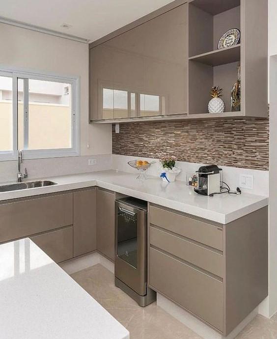 идея интерьера маленькой современной кухни в стиле минимализм